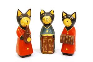 木彫りのバリ人形6 ネコの音楽隊