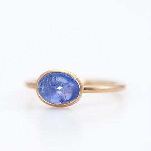 Tanzanite ring / Cabochon