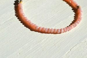 幸せのイメージを形にする石ピンクオパール【stone brace】