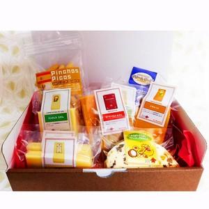 グルメギフト ナチュラルチーズ&スペインクラッカー・ピコス詰め合わせ 10種セット