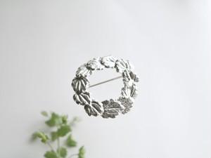 イヌフグリの葉っぱのブローチ