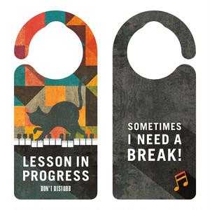 【新形状】LESSON IN PROGRESS 練習中 ピアノとネコ[1132] 【全国送料無料】 ドアサイン ドアノブプレート