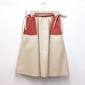 FUTATSUKUKURI / 巾着スカート
