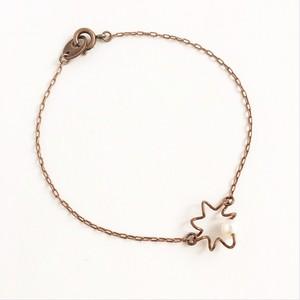 アンティークなピアノ弦のふるふるブレスレット Piano spring bracelet with pearl