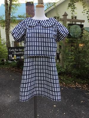クロップ&ミニスカート 北欧格子柄のスタイリッシュな丸襟セットアップ(濃い青)。一点もの。ツーピース