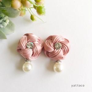 リボンのお花ピアス/イヤリング(ピンク)