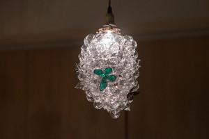 蝶の生まれるところ(ガラスの吊りランプ)(ペンダントライト) 01010041