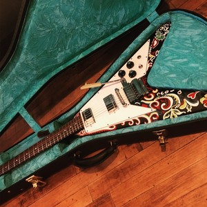 GibsonCS LTD Jimi Hendrix Psychedelic Flying V