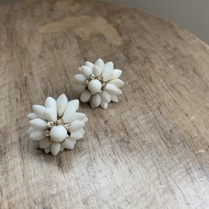 Vintage Milk Glass Beads イヤリング 3