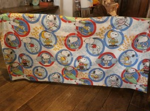 1970s SNOOPY FLAT SHEETS