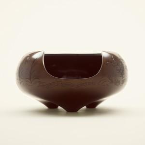 Karakane Hiramaru-furo(Kacyouugetsu-hori) 唐金平丸風炉(花鳥兎月彫)