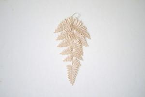 shida 03 / ecru / pierce