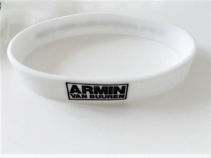 ARMIN VAN BUUREN シリコンリストバンド(ホワイト)