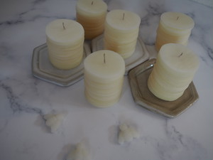 Honey plate candle