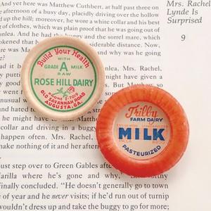 Vintage Milk cap badge / ROSE HILL DAIRY×MILK