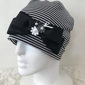 お花と縁取りリボンのケア帽子 ボーダー
