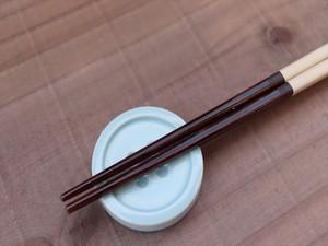 ボタンの箸休め / 薄水色 / 箸置き / 陶器 / 器