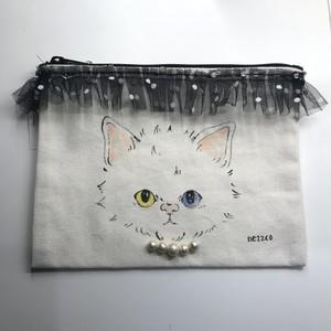 手描きポーチM(不機嫌な子猫 ドットリボン)