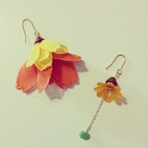 フランスのお花(イエロー×オレンジ)の耳飾り ピアス・イヤリング