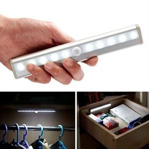 予約 10LED人感センサーライト 電池式 玄関 トイレ 廊下 クローゼット 階段 室内 省エネ 自動点灯 自動消灯 ナイトライト フットライト 足元 明るい 照明 電気 工事不要 cw-a-4270