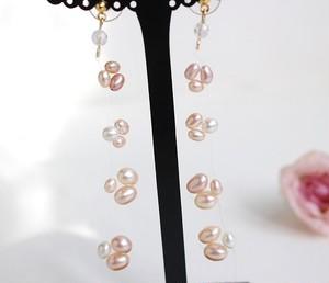 三つ子のピンク淡水真珠のフローティングピアス(ノンホールピアス有り)