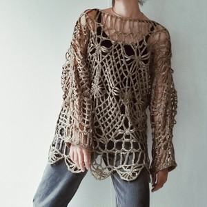 ACRYLIC KNIT LACE TOP.