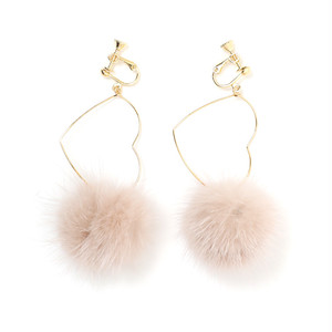 heart fur earring (A18-10044K)