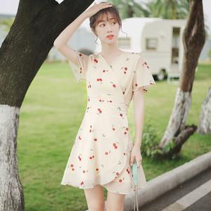 【dress】一目惚れスウィートシフォンVネック半袖プリントワンピース