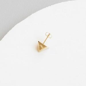 ■solid pierce -triangle / gold-■ ソリッドピアス トライアングル ゴールド