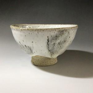 白萩鉄釉茶碗