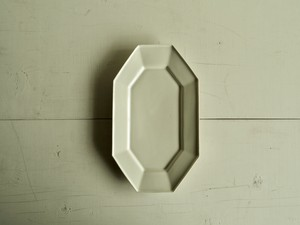 八角長方皿   乳白釉