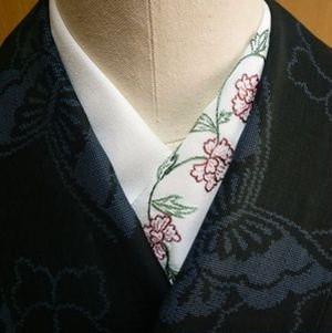 ぼたんさんの日本刺繍半襟(牡丹)