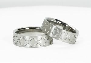 結婚指輪 七宝柄【連】和彫りのペアリング