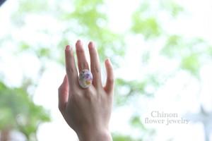 お花を閉じ込めた指輪
