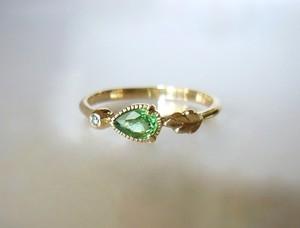 天然ツァボライトガーネットとダイヤのK14の指輪
