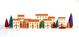 ミニハウスの置物<オレンジ色の屋根の街並み>