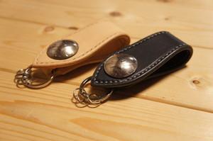 ヌメ革製 アメリカケネディ50セントコンチョキーホルダー BHK1 ベルトループ式 手縫い 本革製  牛革製 レザー バイカー BURNY