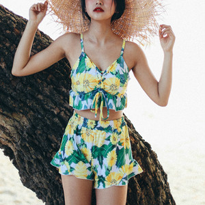 【即納】3 pieces frill edged floral bikini set