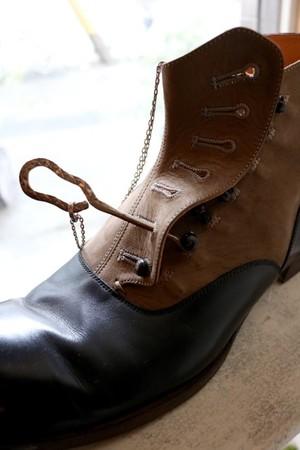 ボタンブーツシューフックネックレスButton boots shoe hook necklace / an-15041