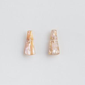 """CAKE"" Shell stud earrings"
