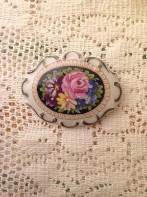 ドイツヴィンテージ 陶器のバラの花束 ブローチ(A)