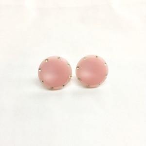 ピンク樹脂のイヤリング