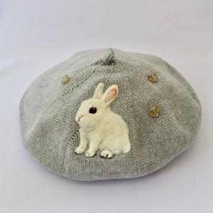 水仙舎「うさぎさんと仲間たち羊毛刺繍コットンベレー帽」(新宿店)