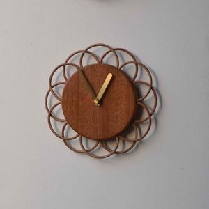 マホガニーの小さな時計