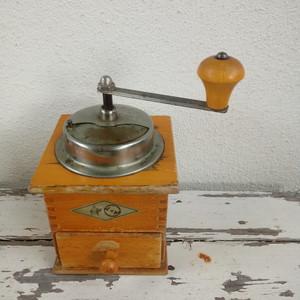 8月 ヴィンテージ コーヒーミル ドイツ 蚤の市買い付け