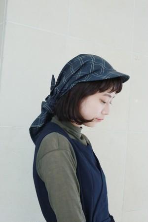 "MIND THE HAT ""Cheacked Babushka""(Navy)"