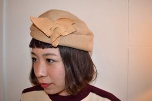 VINTAGE beige design headdress