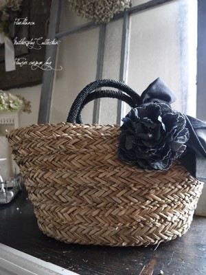 デニムフラワーコサージュ付き かごバッグ ブラック 母の日