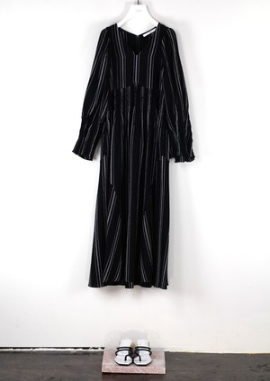 SHEARING VOLUME DRESS [BLK]