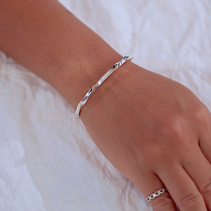 TWISTED BANGLE -silver-